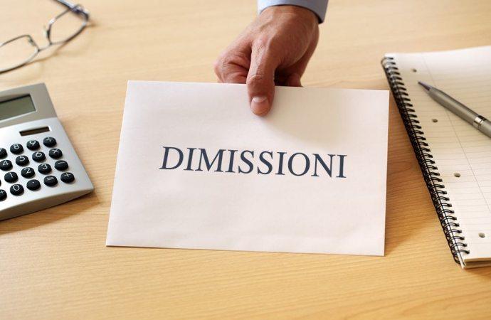 Dimissioni dell'amministratore di condominio, che cosa c'è da sapere per non incorrere in errori