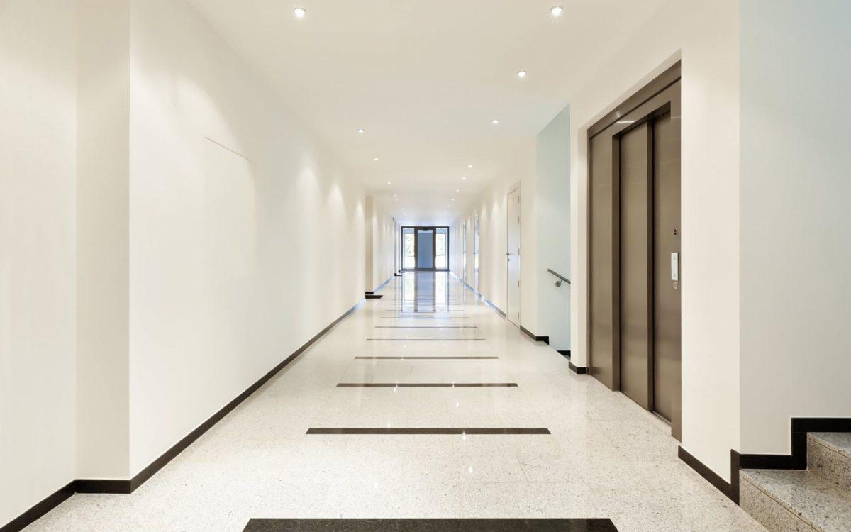 Pianerottoli e corridoi di accesso agli appartamenti sono parti comuni come le scale - Scale per appartamenti ...