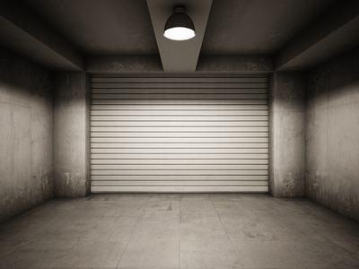 Autorimessa e danni da infiltrazioni: paga il condominio e l'assicurazione se le cause rientrano tra quelle coperte