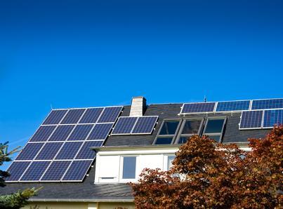 I pannelli fotovoltaici sul tetto devono sempre rispettare il paesaggio. Legittimi gli atti che ne dispongano la rimozione.