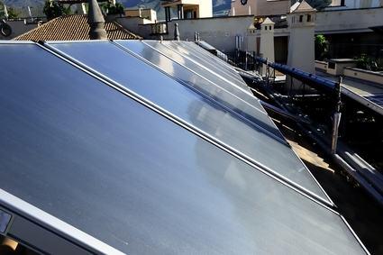 Quando l'assemblea può vietare l'installazione di un pannello solare sul lastrico ad un condomino?