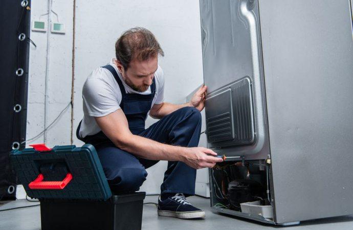 Locazione e sostituzione del frigorifero non funzionante