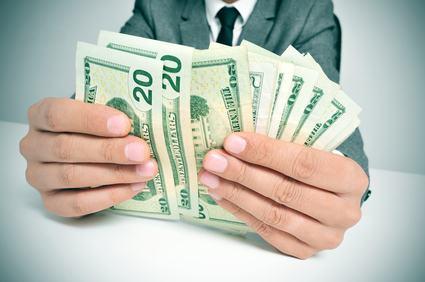 L'amministratore non può ricorrere in Cassazione contro la sentenza che condanna il condominio al pagamento delle quote dell'ex amministratore