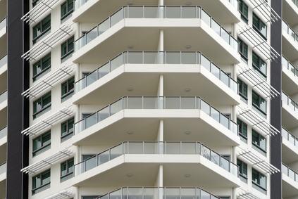 Distanze negli edifici. Ma anche i grandi balconi rientrano tra i corpi di fabbrica?