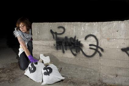 L'amministratore scappa con la cassa o deruba i condomini. Cosa fare dopo e per prevenire?