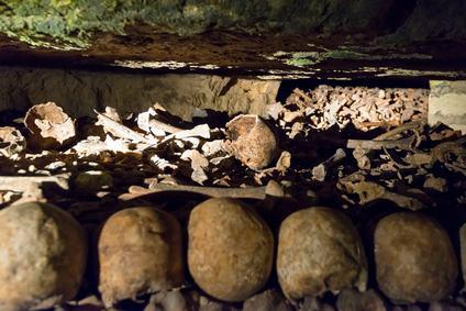 I lavori di riparazione ed adeguamento antisimico vengono bloccati. Ci sono reperti archeologici nel sottosuolo.