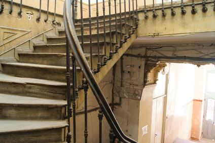 Proprietà delle scale di accesso ad un'unità immobiliare e valore probatorio delle planimetrie catastali