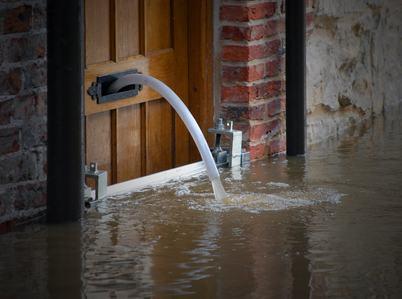 Responsabile l'amministrazione per l'immobile privato allagato anche se la pioggia fu torrenziale.