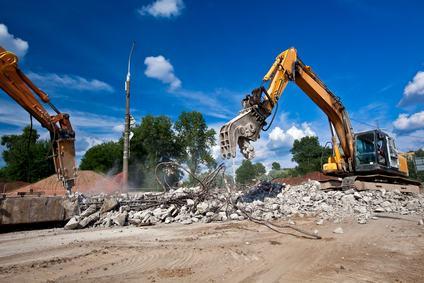 Immobile abusivo. Anche gli eredi sono obbligati ad eseguire l'ordine di demolizione.