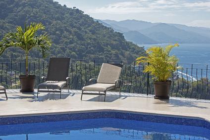 Infiltrazione derivante da piscina installata sul terrazzo a livello di proprietà esclusiva.