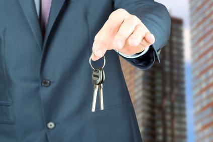 """Rivoluzione nelle compravendite immobiliari. In fase di """"liberalizzazione"""" un settore molto delicato. Ma con quali i rischi?"""
