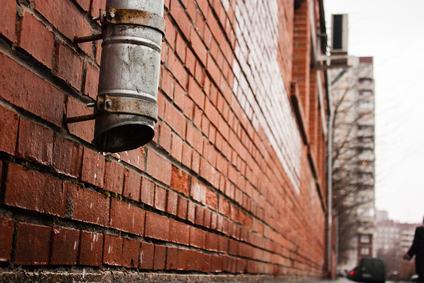 Canna fumaria nel muro divisorio, quando si applicano le norme sulla comunione?