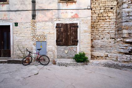 È possibile lasciare le biciclette nel sottoscala comune?