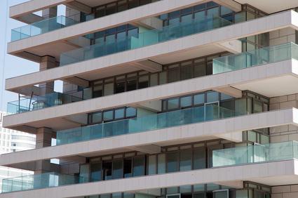 Chi paga i fregi decorativi inseriti nella parte frontale for Balconi condominio