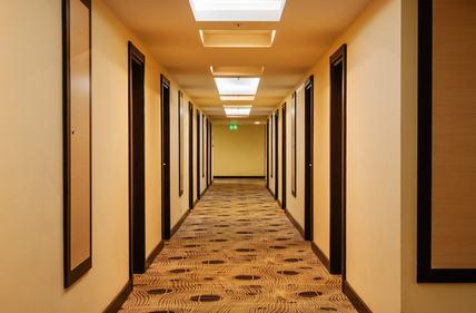Il corridoio rimane comune anche se il piano sottotetto viene acquistato da un unico proprietario