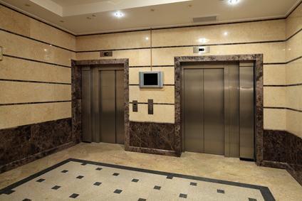 Riflessioni sull'applicazione della l. 13/1989 alle delibere di installazione dell'ascensore in condominio.