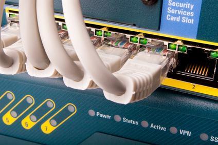 """""""Decreto Legge Comunicazioni"""". Per la banda larga sarà necessario solo una raccomanda all'amministratore di condominio?"""