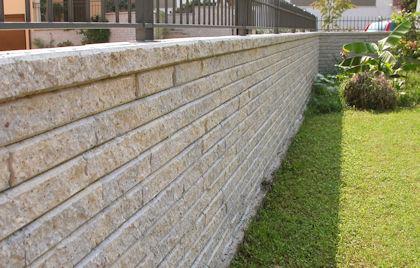 Muro Di Sostegno A Confine.Muro Di Recinzione