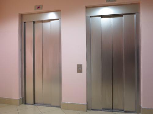 Di chi è l'ascensore? Di chi paga le spese di manutenzione