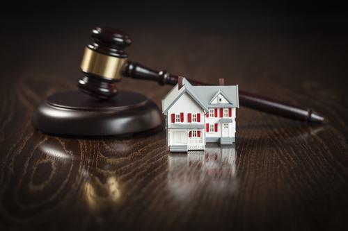 Il pignoramento della casa non esclude l'obbligo di pagare le quote condominiali