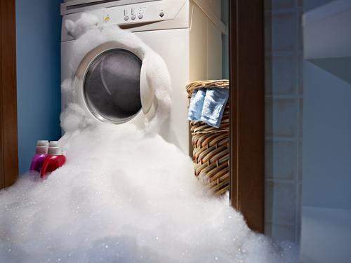 Utilizzo della lavatrice in condominio. Si può accendere la centrifuga (anche di notte)