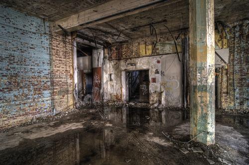 Infiltrazioni, la responsabilità è del proprietario della struttura che li ha causati o del condominio?