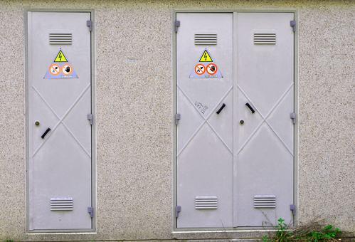 No all'installazione di cabine elettriche in cortili e giardini condominiali