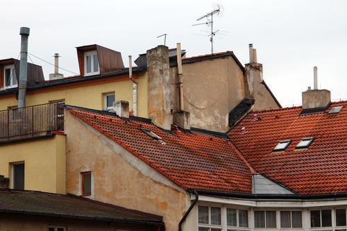 La canna fumaria va demolita se pericolosa e non usata da tutti i condomini