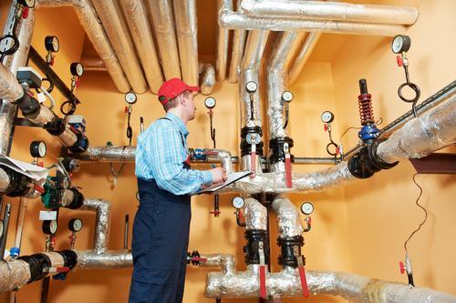 L'impianto di riscaldamento centralizzato, soppresso con delibera dichiarata illegittima, deve essere ripristinato