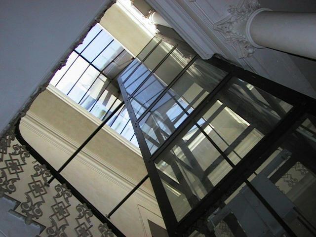 Nuovi controlli per la sicurezza degli ascensori in condominio. Ecco cosa prevede realmente lo schema di decreto.