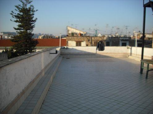 Si può accedere al terrazzino adiacente una proprietà esclusiva?