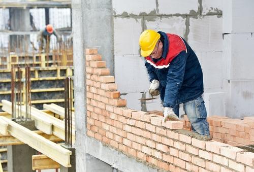 Valida la delibera che affida i lavori nel condominio senza motivare la scelta della ditta appaltatrice