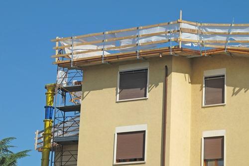 I lavori in condominio non legittimano la riduzione unilaterale del canone di locazione