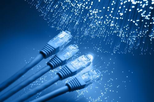 """Pubblicato il Decreto attuativo """"fibra ottica"""". Ecco i nuovi vincoli per gli edifici condominiali."""