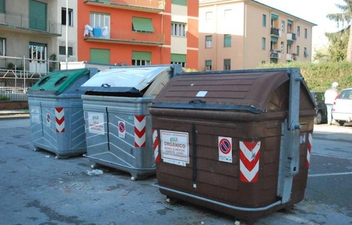 Raccolta differenziata dei rifiuti in condominio. Obblighi dell'amministratore e responsabilità per i danni provocati.