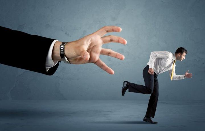 Le dimissioni dell'amministratore non incidono sulla responsabilità contrattuale derivante dallo svolgimento dell'incarico