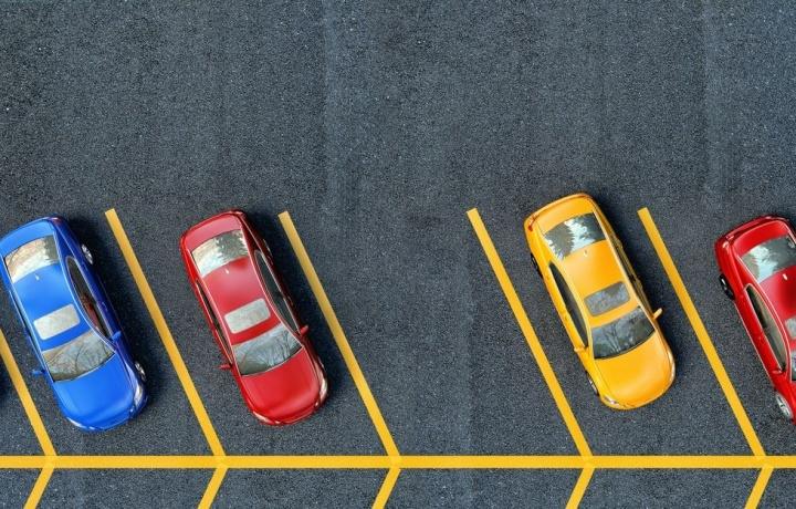 L'assemblea di condominio non può negare l'uso turnario del posto auto