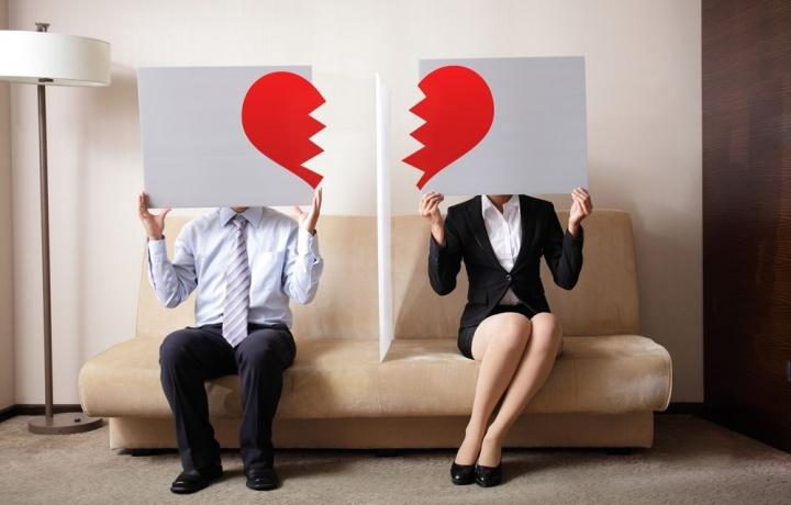 Il coniuge, comproprietario di un immobile, non ha diritto al rimborso delle spese condominiali