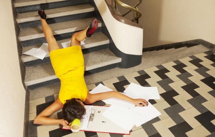 Caduta dalle scale. Quando il condominio non può ritenersi responsabile?