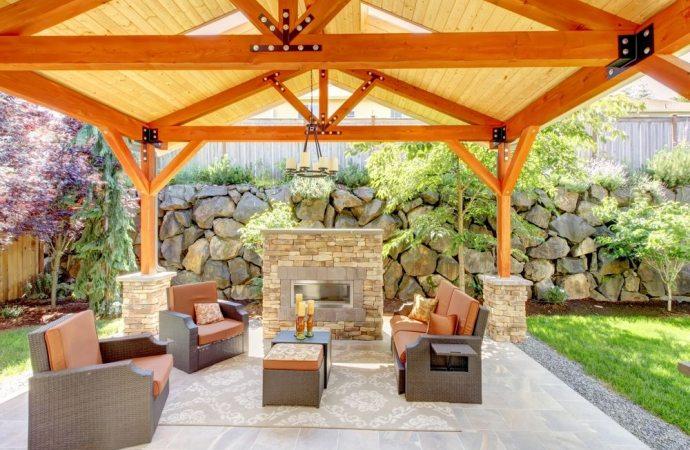 Attenzione a realizzare un patio in giardino senza autorizzazione. Scatta l'abuso edilizio.