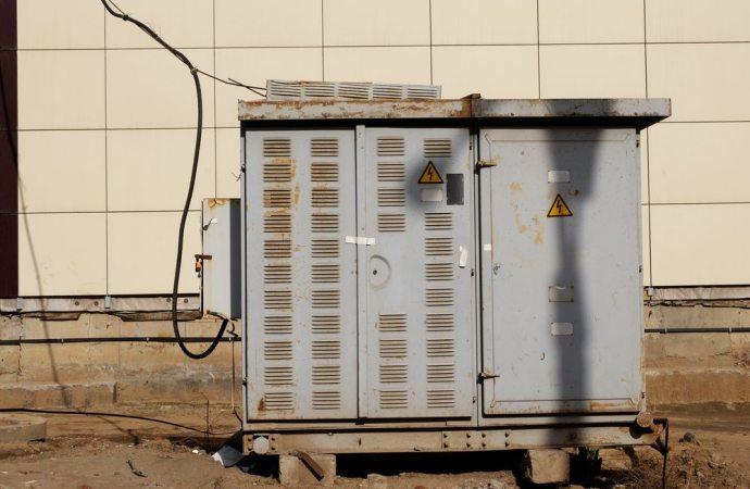 Cabina elettrica sotto casa non a norma cosa fare - Serranda elettrica casa ...
