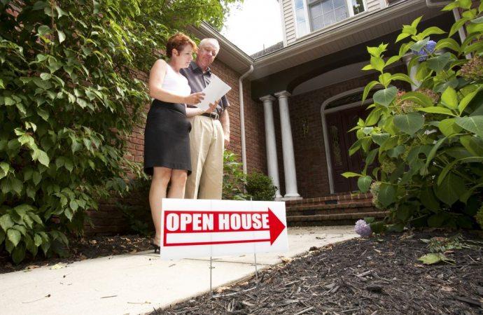 Incompatibilità con l'esercizio dell'attività di agente immobiliare