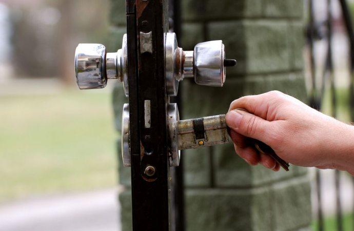 Se l'inquilino non va via non si può cambiare la serratura