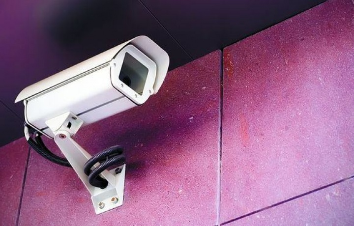 È lecita la telecamera in condominio anche senza l'unanimità dei condomini