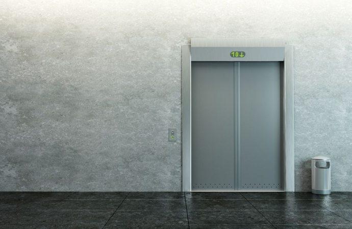 Illegittima l'installazione dell'ascensore se preclude o limita il diritto di godimento dei beni comuni.