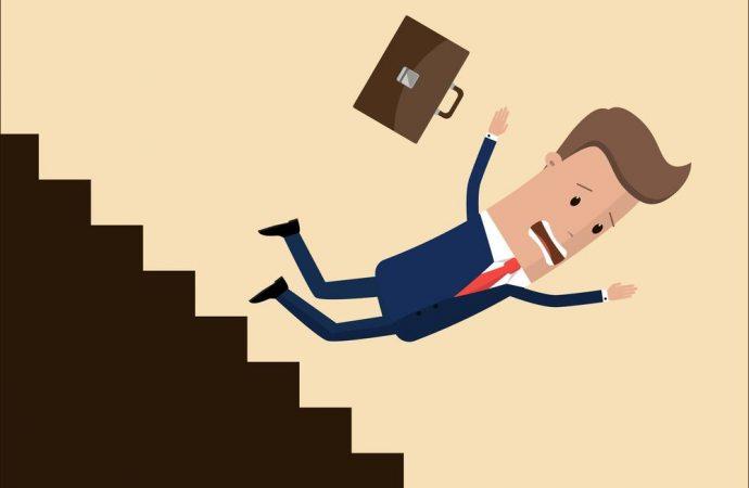 Caduta dalle scale: niente risarcimento senza la prova del nesso causale tra caduta e stato dei luoghi.