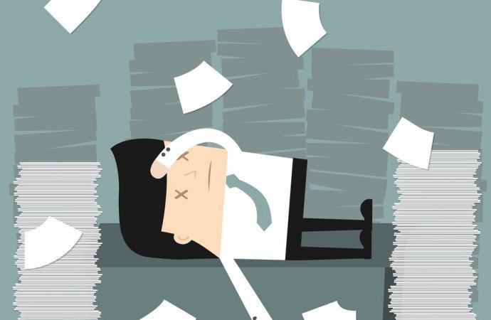 Passaggio di consegne: se l'amministratore tarda, meglio una querela o il ricorso d'urgenza?