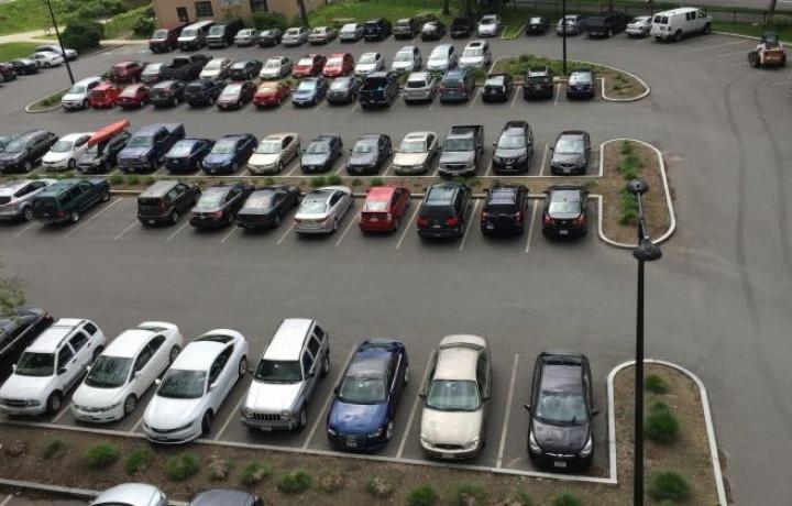 Invalida la delibera che respinge l'uso turnario del parcheggio condominiale