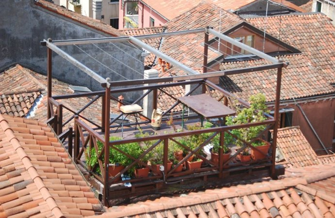 Sopraelevazione e ricostruzione in condominio