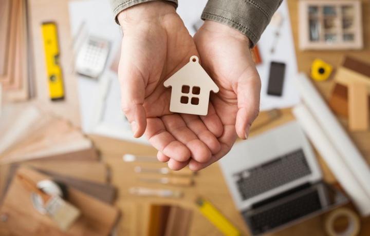 La polizza assicurativa costituisce atto eccedente le ordinarie attribuzioni dell'amministratore di condominio?
